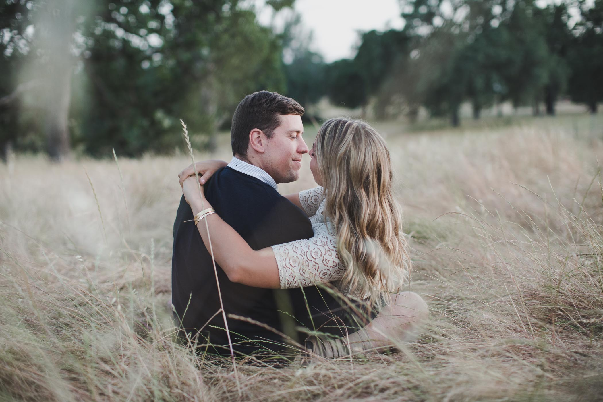 AVH_Photography_upper_bidwell_park_engagement_photography_chico_california_spring_bidwell_golf_course_0061.jpg