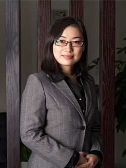 Amy Chen, Esq.   Los Angeles Office Attorney  Immigration, Family, and Business Law  Fluent in English and Mandarin Member of Shanghai Bar Association  Education:   •  B.A. in Legal English from Northwest University of Politics & Law  •  M.A. in International Law from Shanghai Jiaotong University