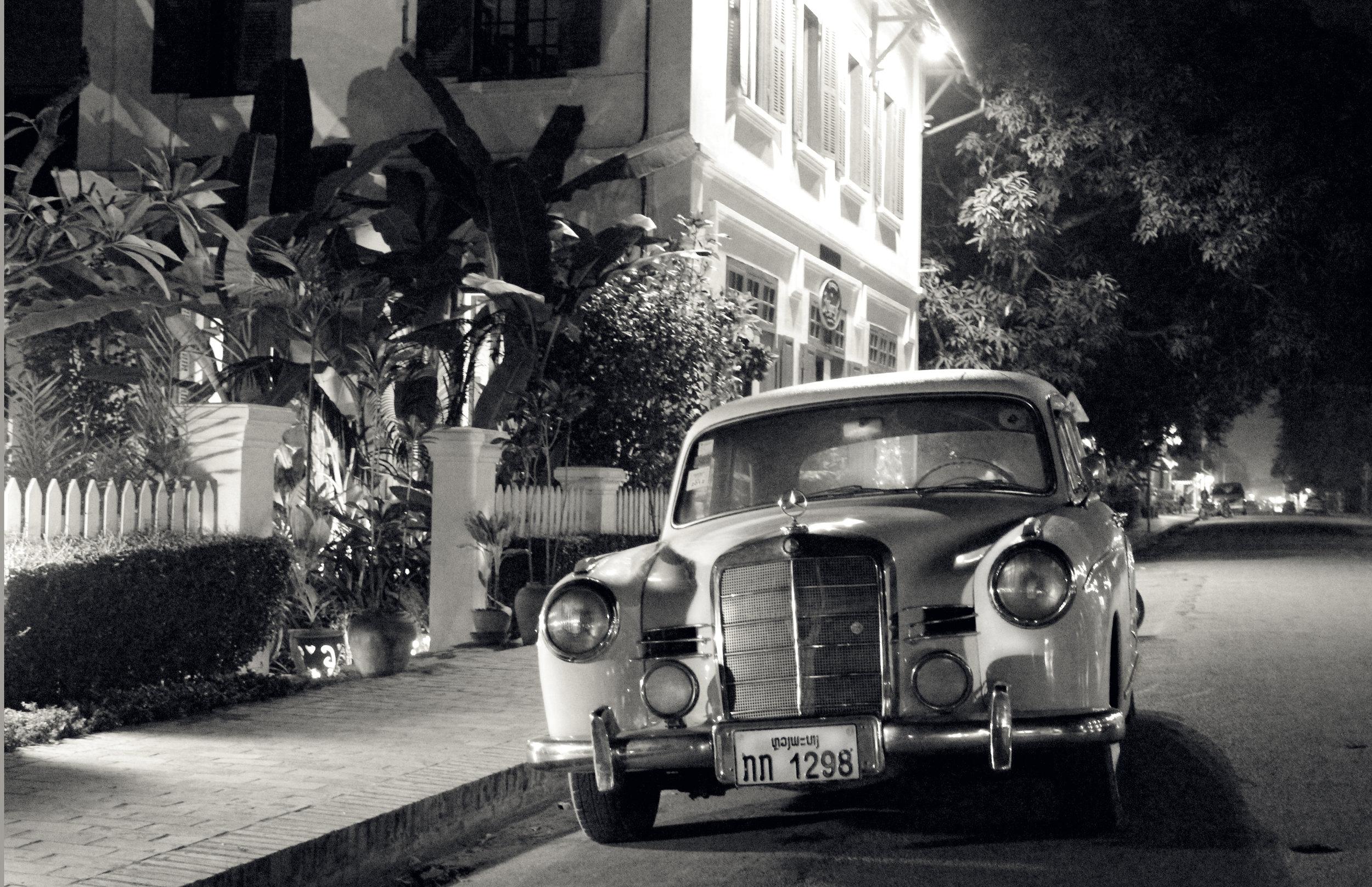 Classic Car in street.jpg