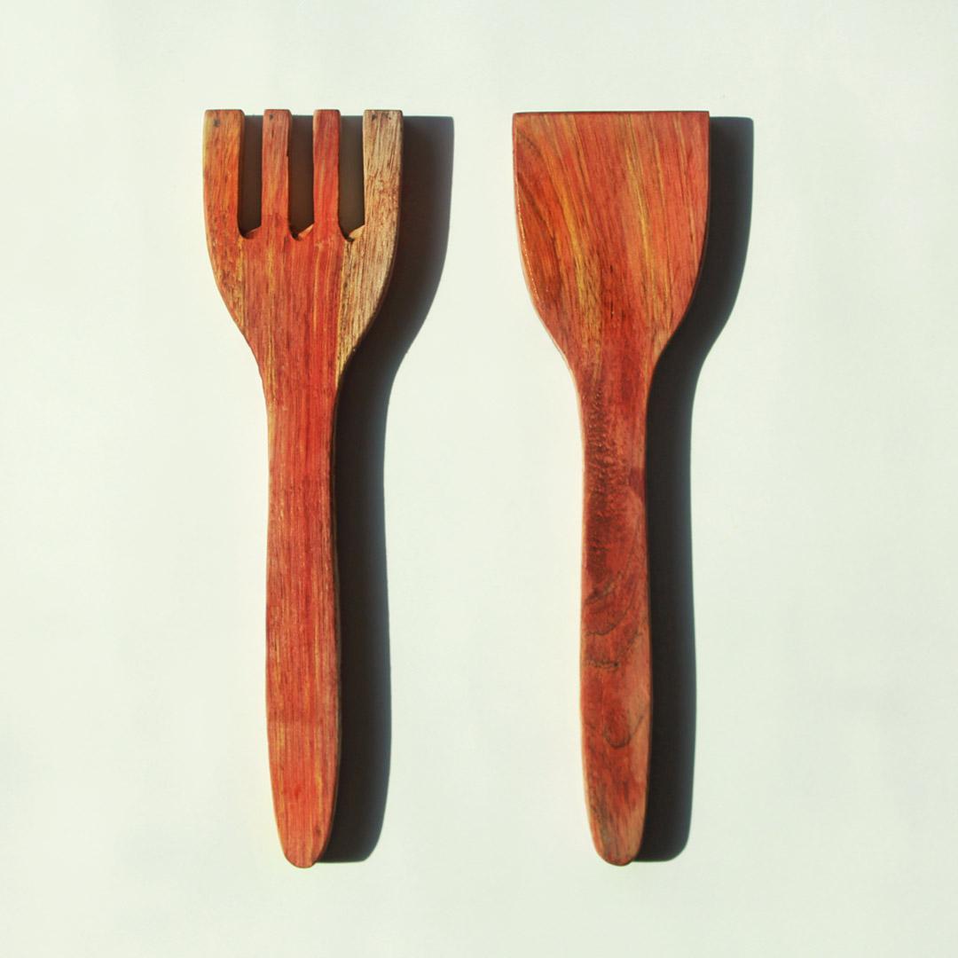 Wood salad tongs cutting.jpg