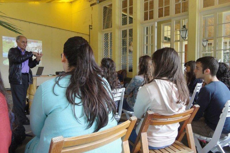 Conferência com o Professor Doutor António Manuel Frias Martins, do Departamento de Biologia da Universidade dos Açores