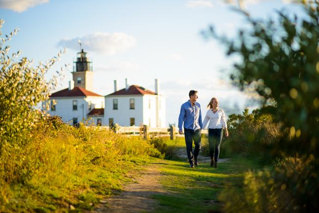 beavertail-lighthouse-ri-engagement-photos-chris-nachtwey-photography.jpg