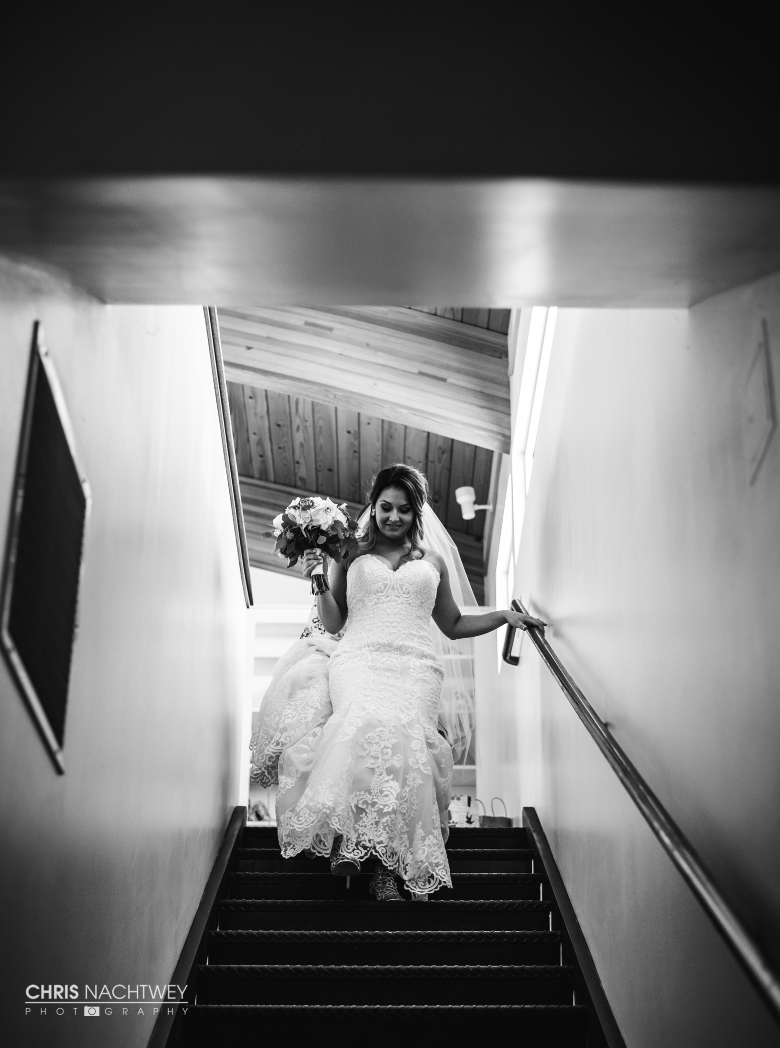 saltwater-farm-vineyard-wedding-photos-lindsay-gabe-chris-nachtwey-photography-2017-18.jpg
