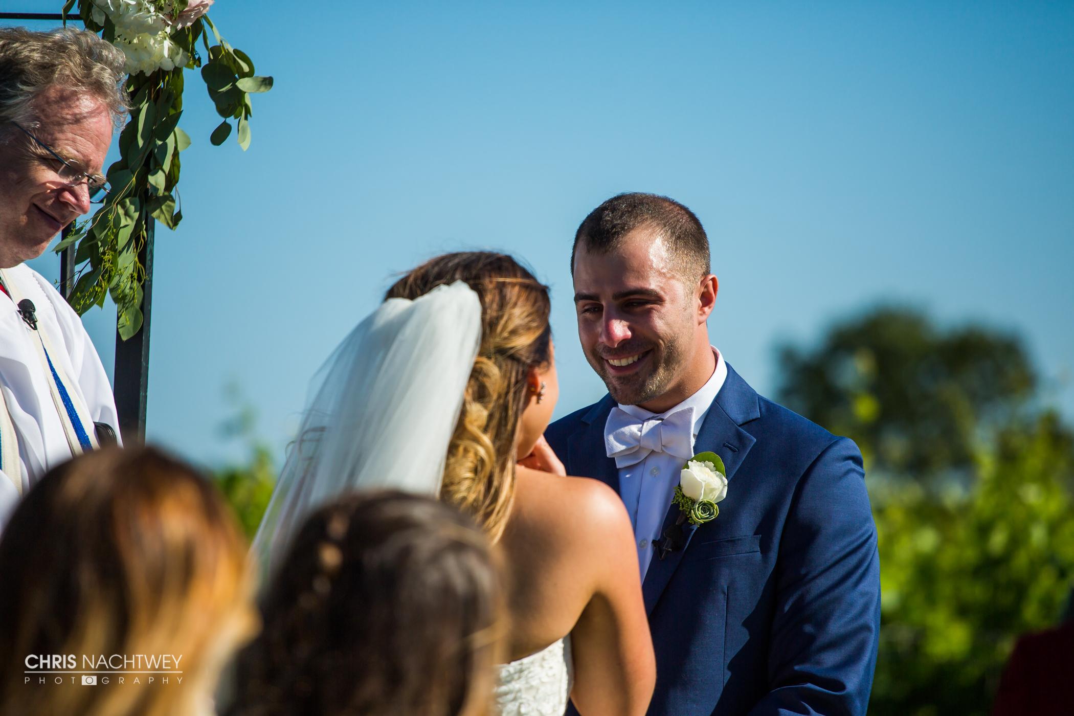 saltwater-farm-vineyard-wedding-photos-lindsay-gabe-chris-nachtwey-photography-2017-35.jpg