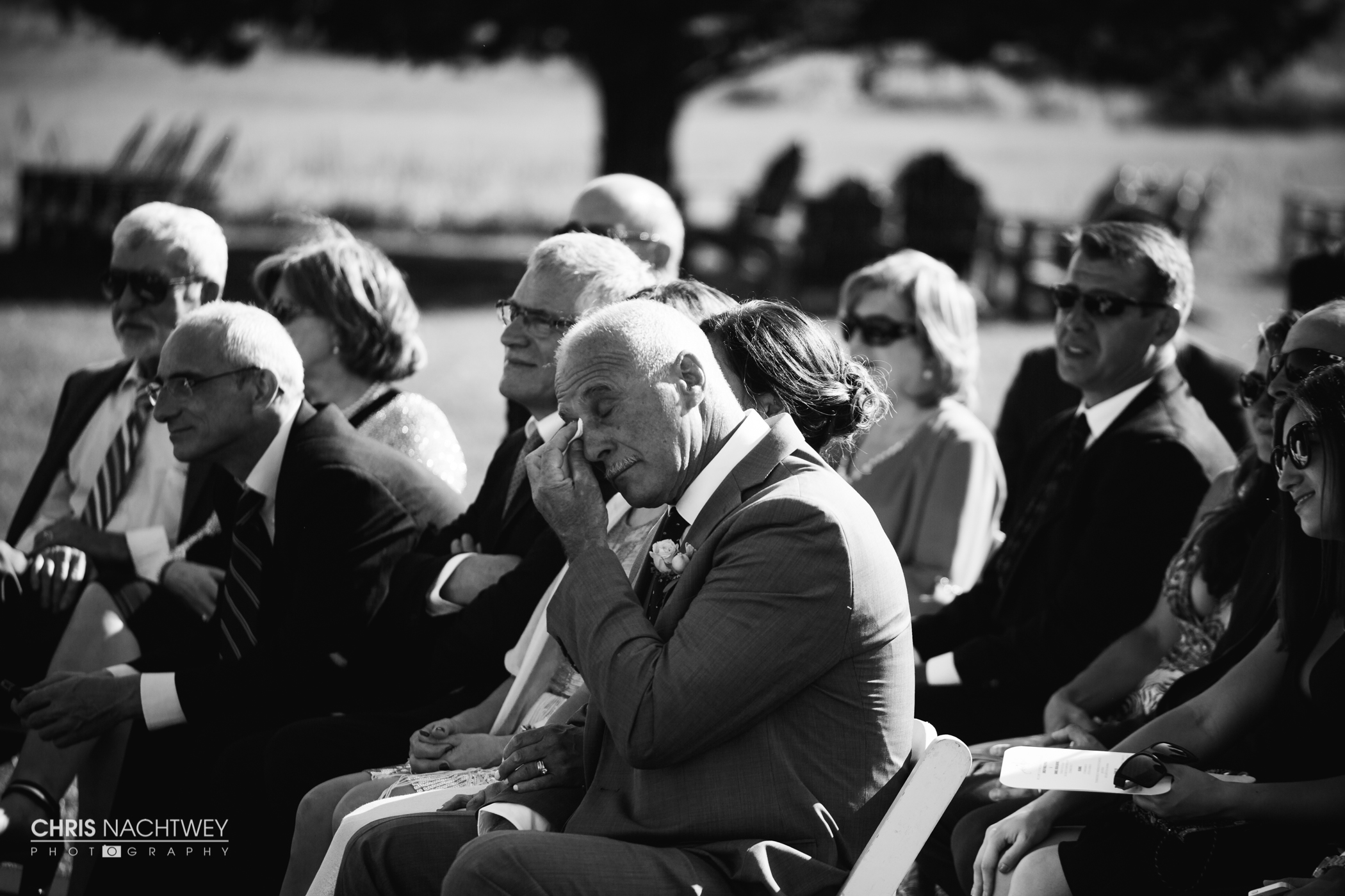 saltwater-farm-vineyard-wedding-photos-lindsay-gabe-chris-nachtwey-photography-2017-37.jpg