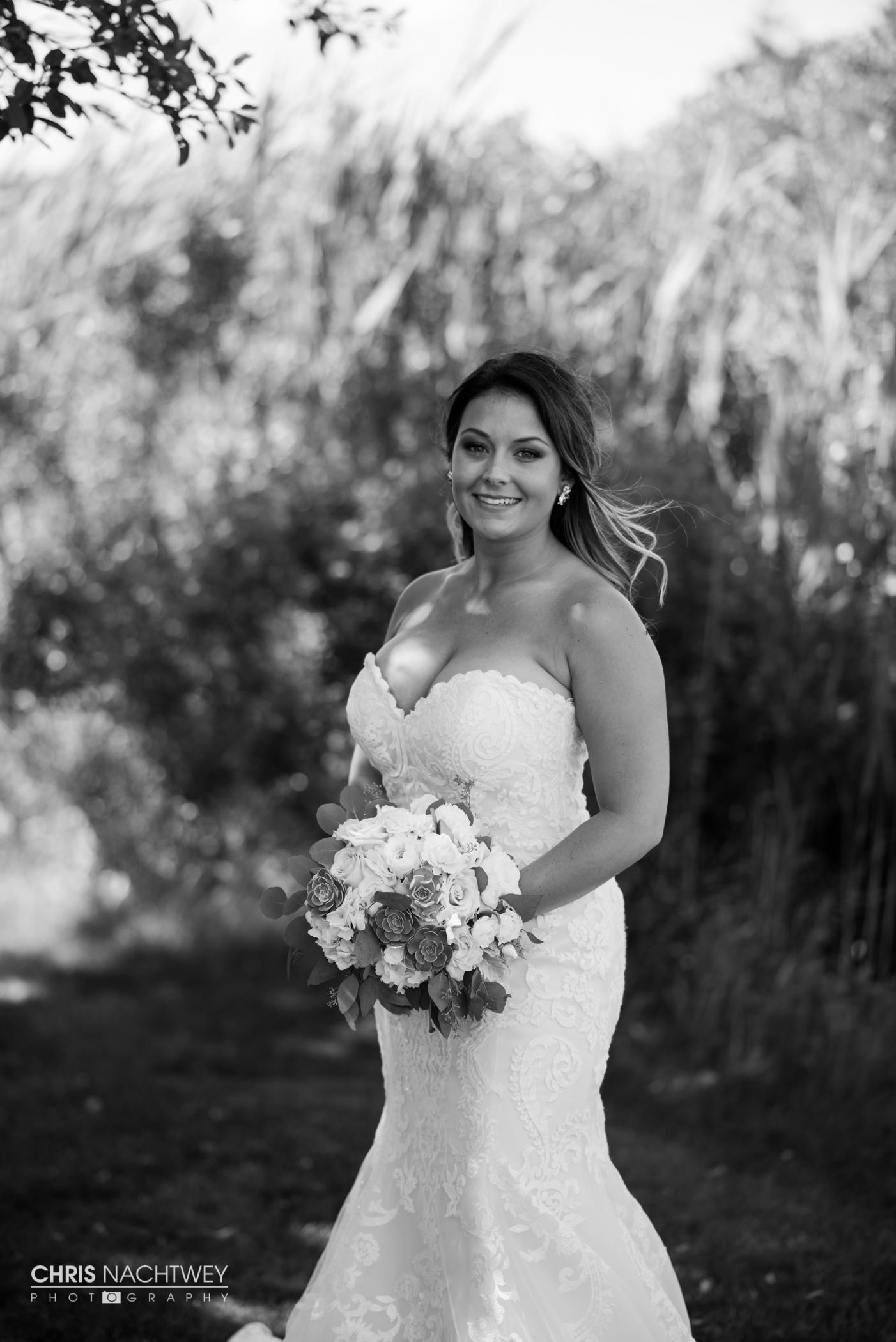saltwater-farm-vineyard-wedding-photos-lindsay-gabe-chris-nachtwey-photography-2017-24.jpg