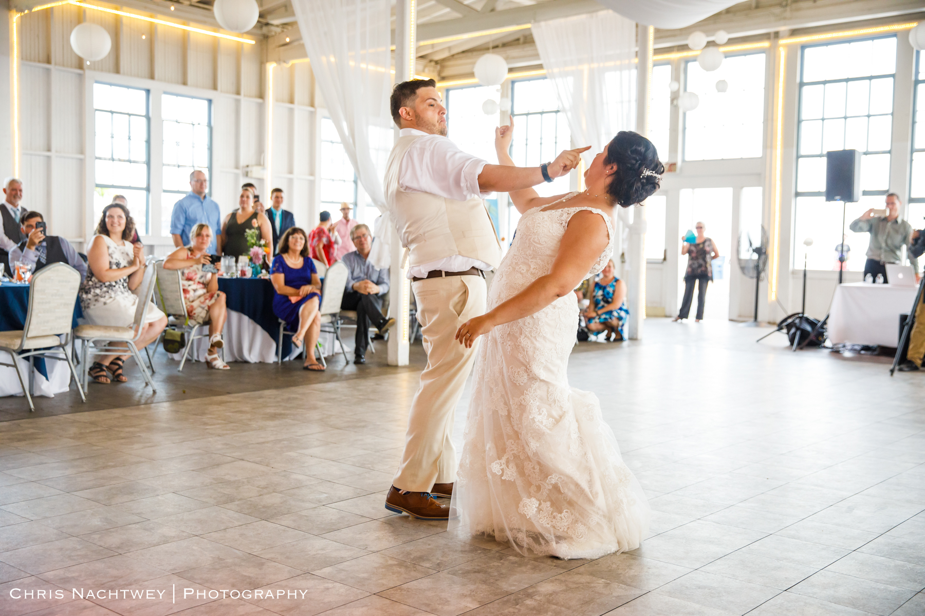 photos-wedding-lighthouse-point-park-carousel-new-haven-chris-nachtwey-photography-2019-49.jpg