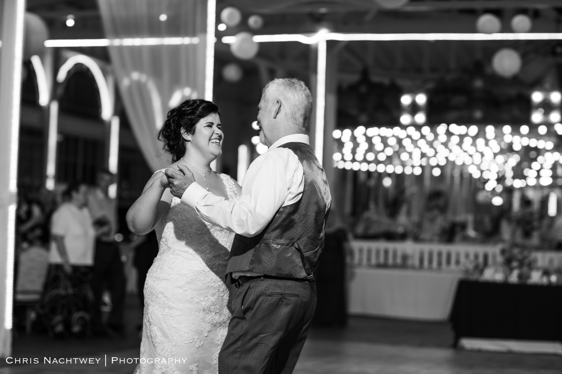 photos-wedding-lighthouse-point-park-carousel-new-haven-chris-nachtwey-photography-2019-59.jpg