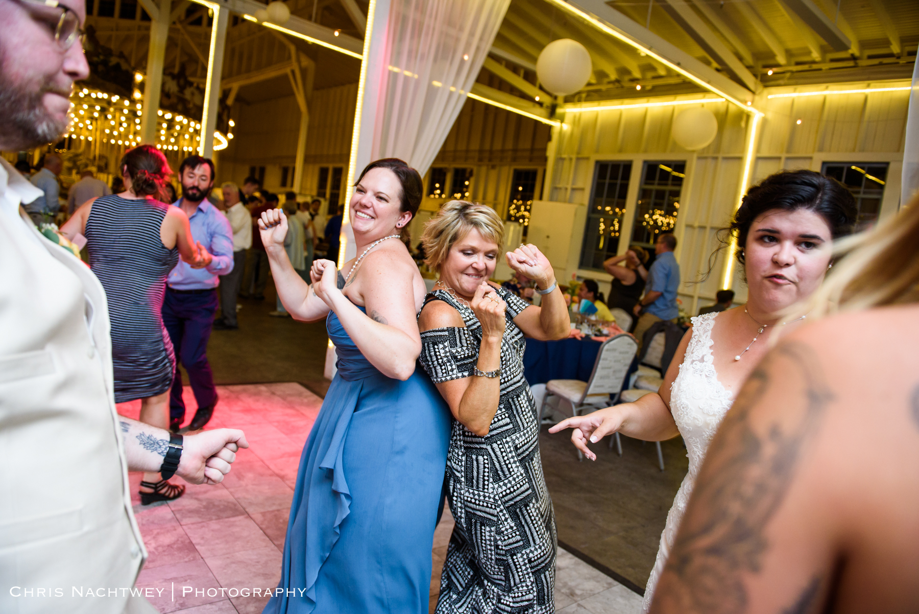photos-wedding-lighthouse-point-park-carousel-new-haven-chris-nachtwey-photography-2019-62.jpg