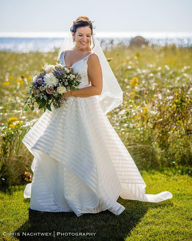 Classic! #weddings #weddingday #weddingmoments #bride #bridalportraits #weddingdress #weddingbouquet #nikon #d800 #85mm #riweddding #weddingphotographer #riweddingphotographer #rhodeislandwedding #rhodeislandweddings #rhodeislandweddingphotographer #chrisnachtweyphotography