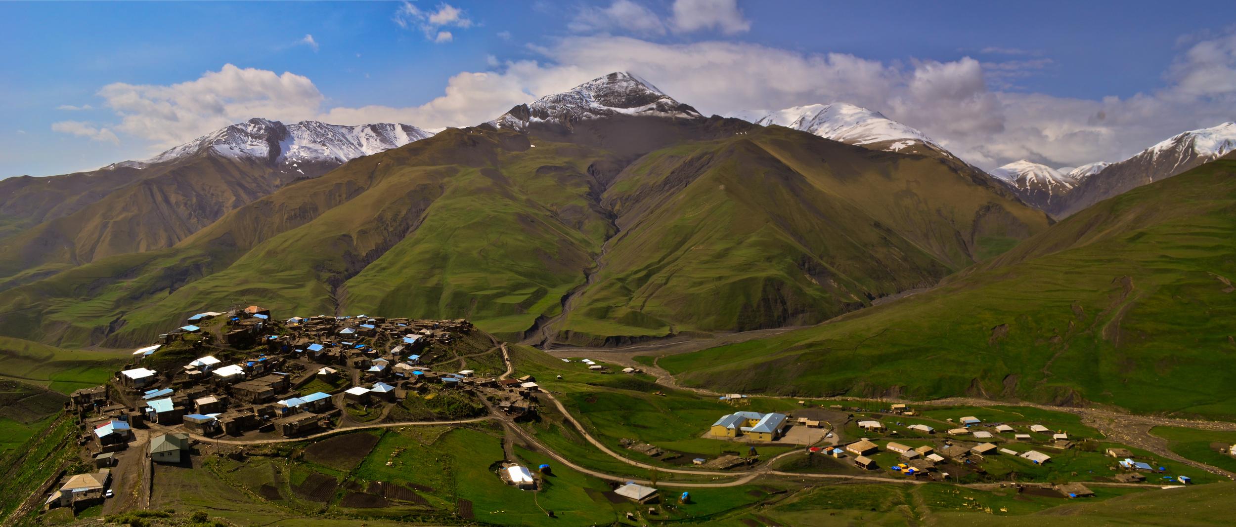Xinaliq village.jpg