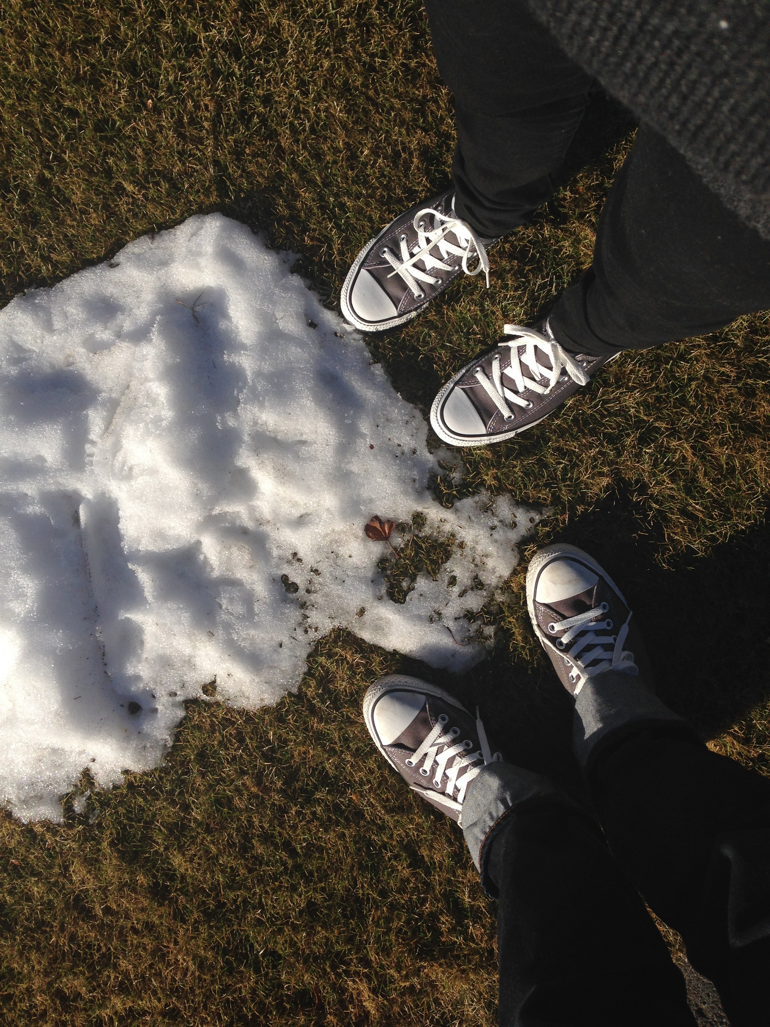 The valley doesn't get much snow, unlike the rest of the state. We were surprised to have this much of a white Christmas.    (OMG ignore the matching chucks.)