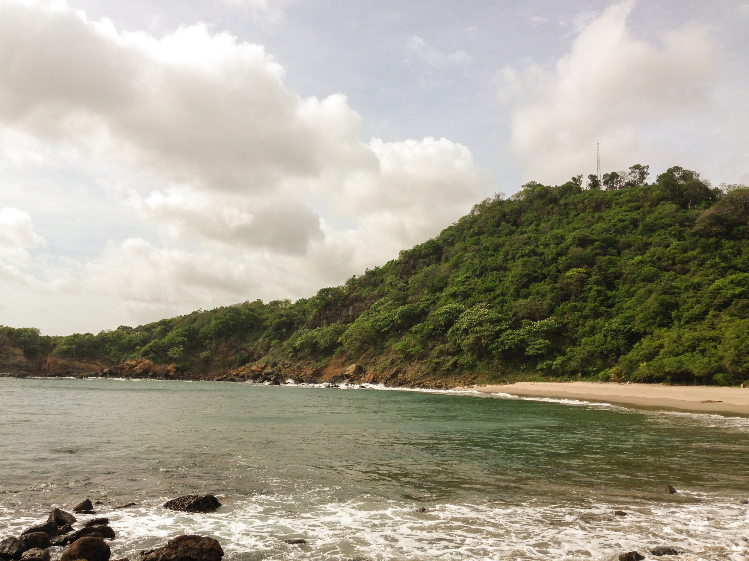 The cove means no big waves, which is not great for surfers but super for relaxing. Playa Gigante has enough waves for both little towns!