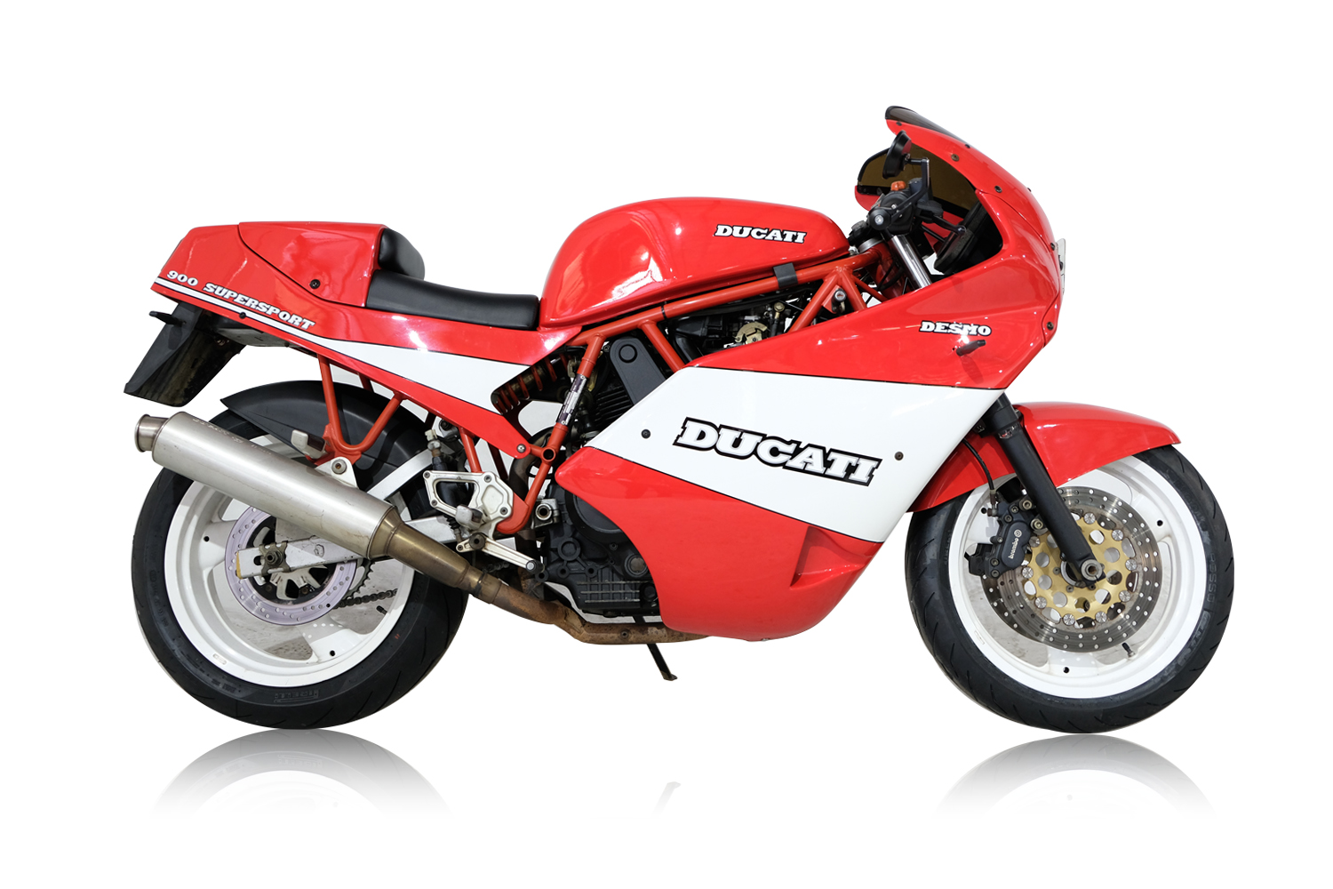 Ducati Desmo_0028_Background.jpg