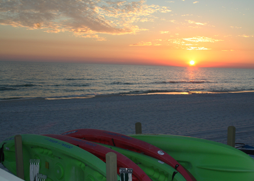 :: a pretty sunset + kayaks = perfection ::
