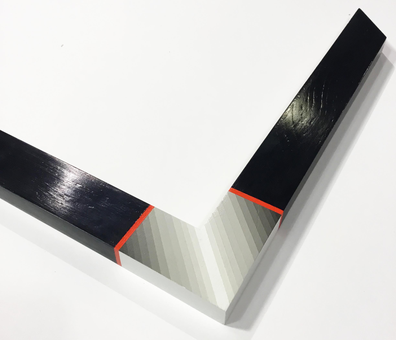 "MULITVERSE  MV2 1.5"" black paint with gray gradient corner color outline"