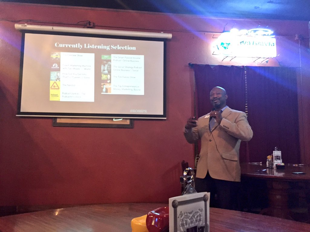 Vern Ross presents podcasting best practices at Social Media ON TAP January 2016