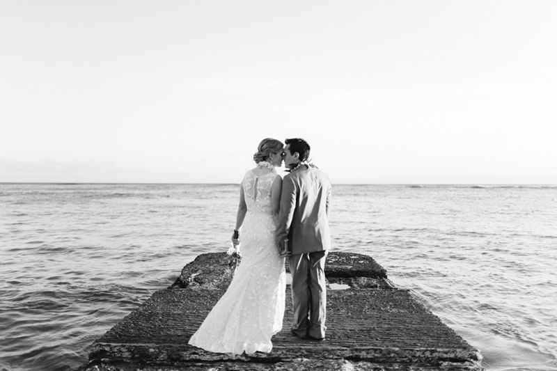 kate-adam-halekulani-hawaii-wedding-photographer-016.jpg