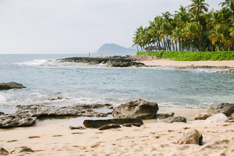 ciara-mack-secret-beach-oahu-intimate-wedding-01.jpg