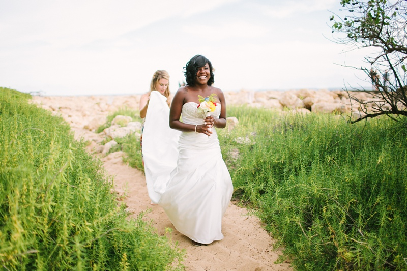 ciara-mack-secret-beach-oahu-intimate-wedding-03.jpg