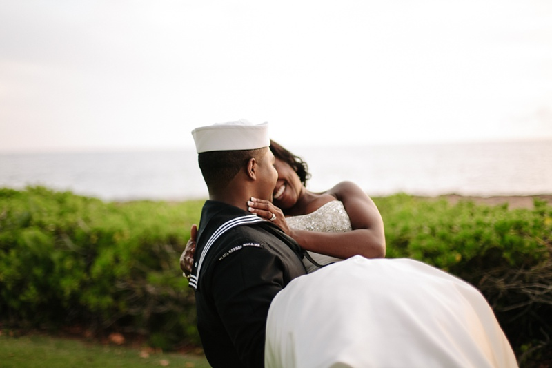 ciara-mack-secret-beach-oahu-intimate-wedding-18.jpg