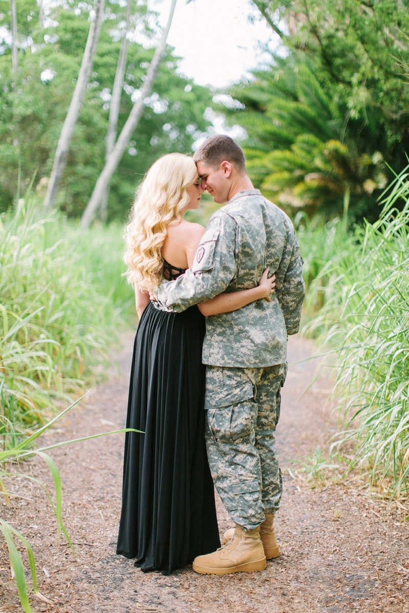 bethany-tim-hawaii-engagement-photographer-008.jpg
