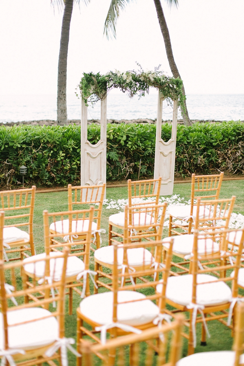 stylish-lanikuhonua-wedding-016.jpg
