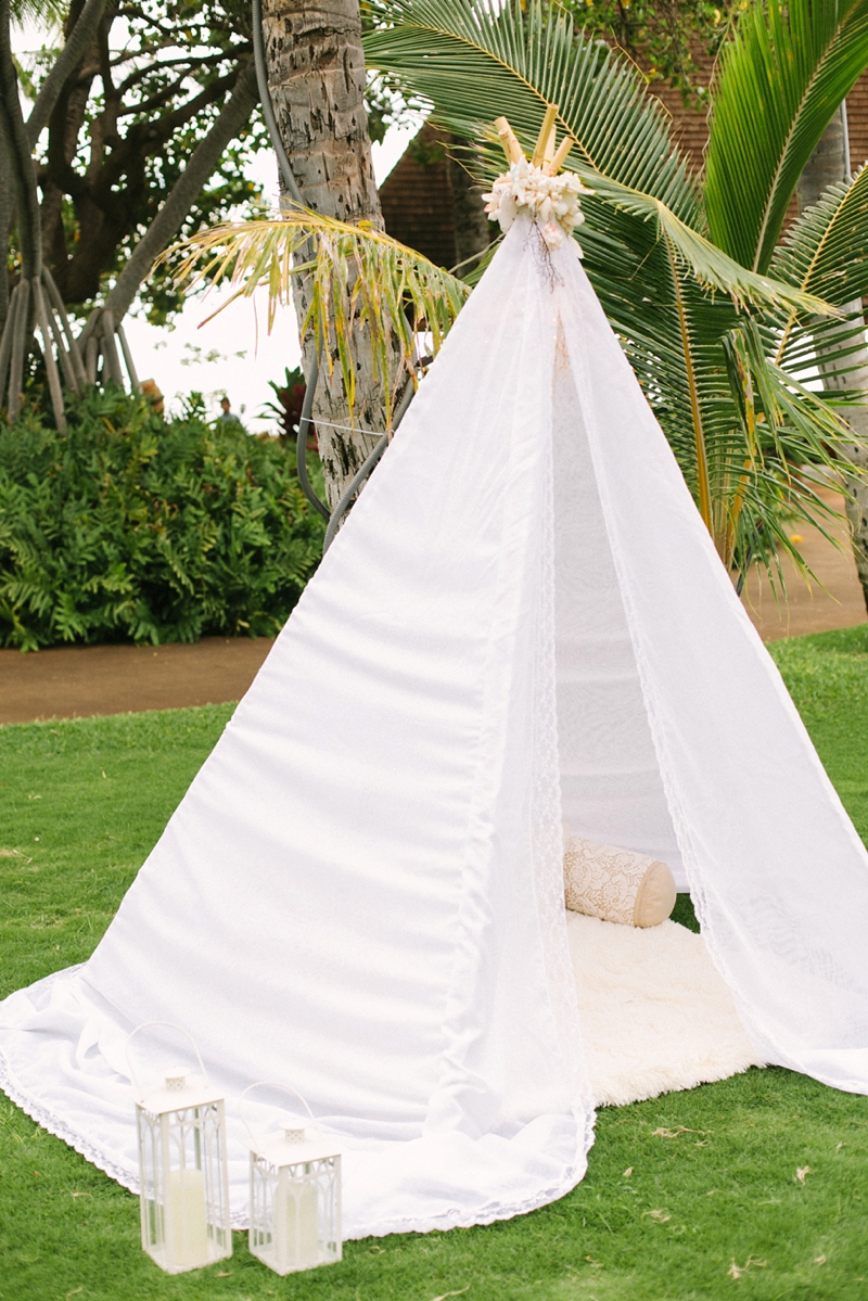 stylish-lanikuhonua-wedding-023.jpg