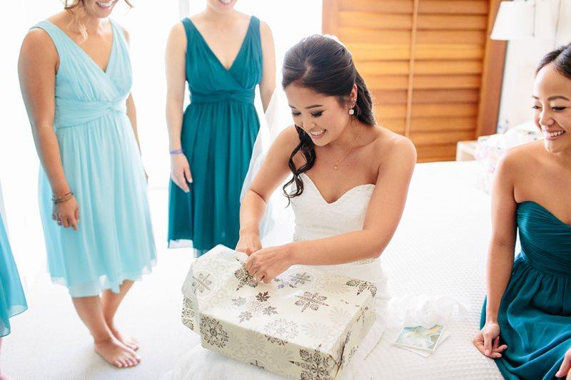 tim-shaina-wedding-the-modern-hawaii-017.jpg