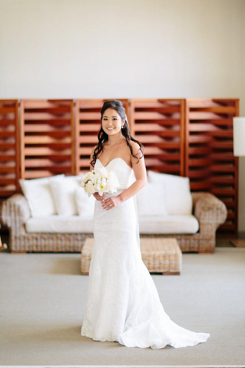tim-shaina-wedding-the-modern-hawaii-027.jpg