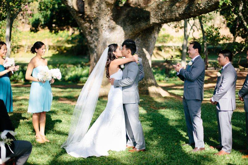 tim-shaina-wedding-the-modern-hawaii-041.jpg