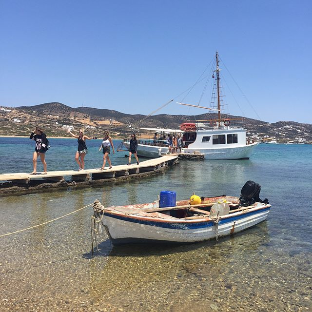 Scenes from the boat trip around Antiparos yesterday.  #aegeancenter #paros #studyart #studyabroad #antiparos #lifeofadventure #despotiko #slandlife #boat #boattrip #aegean #archipelago