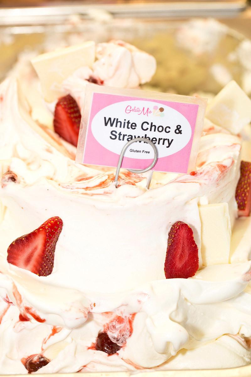 white-chocolate-strawberry.jpg
