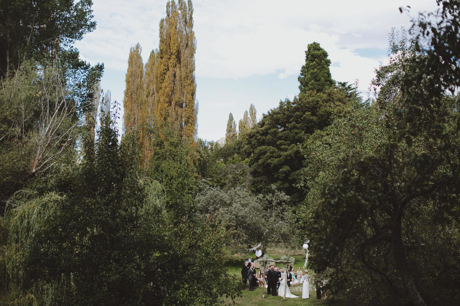 justin_aaron_queenstown_thelby_domain_new_zealand_wedding_sally_lachlan-68.jpg