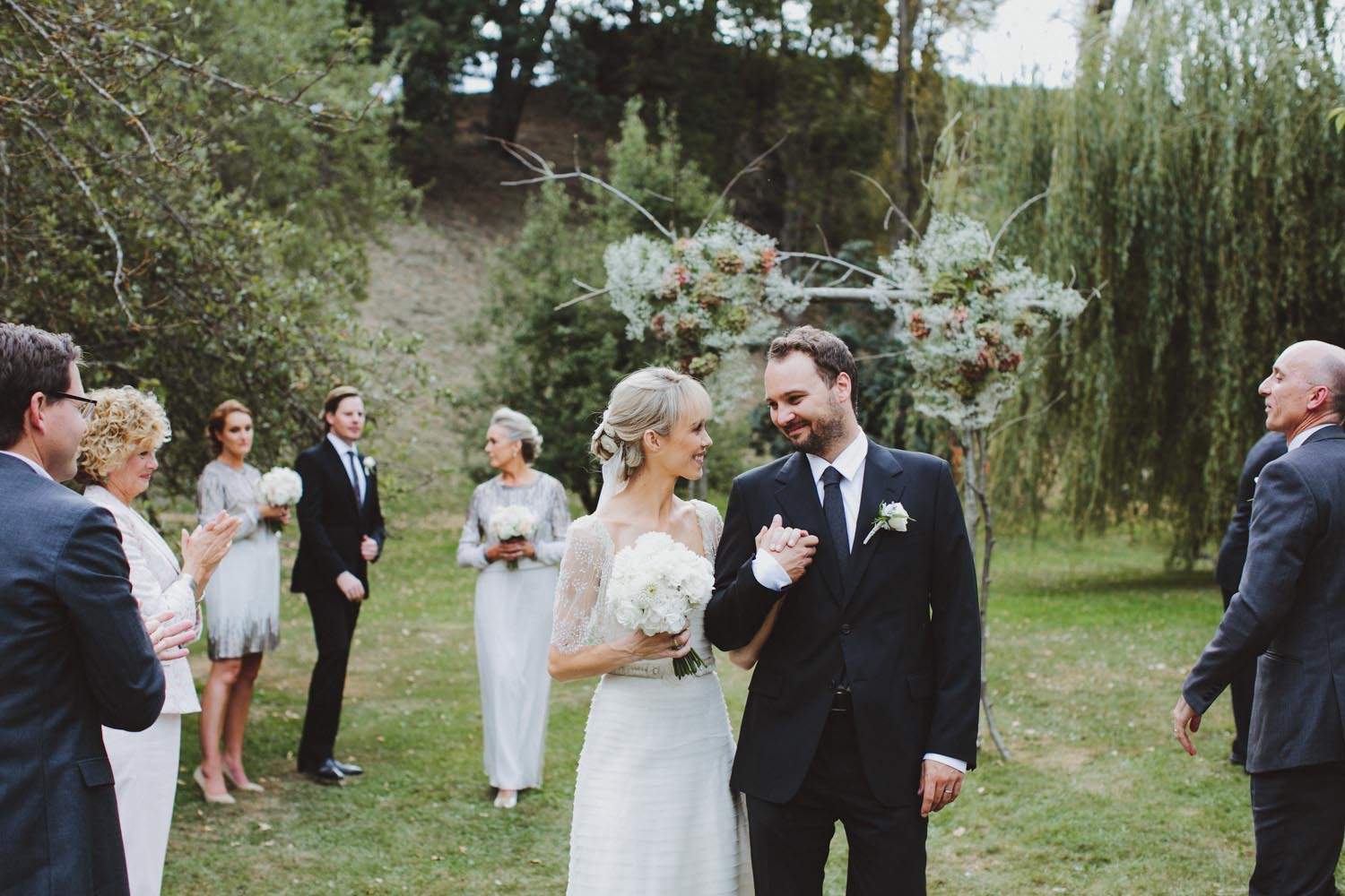 justin_aaron_queenstown_thelby_domain_new_zealand_wedding_sally_lachlan-76.jpg