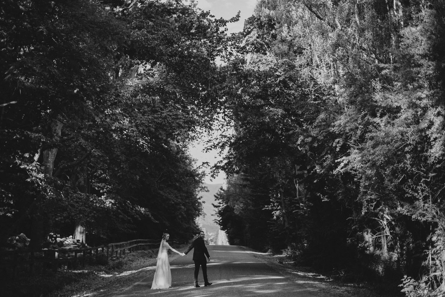 justin_aaron_queenstown_thelby_domain_new_zealand_wedding_sally_lachlan-111.jpg