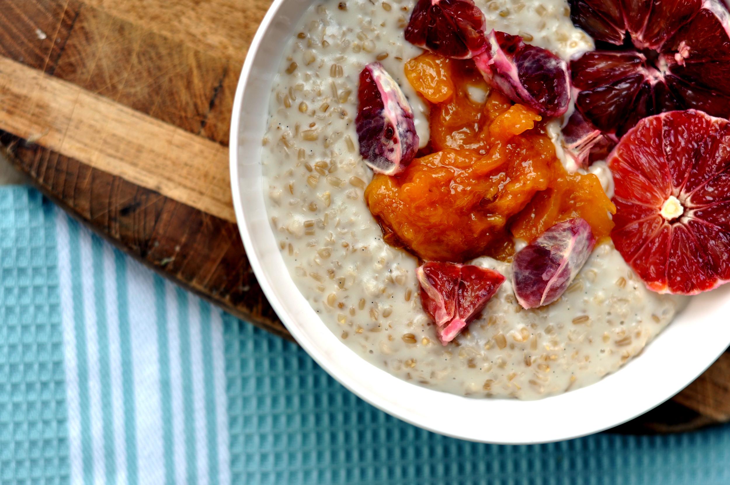 Almond Milk Oatmeal with Vanilla & a Peach Compote | Shiny Happy Bright