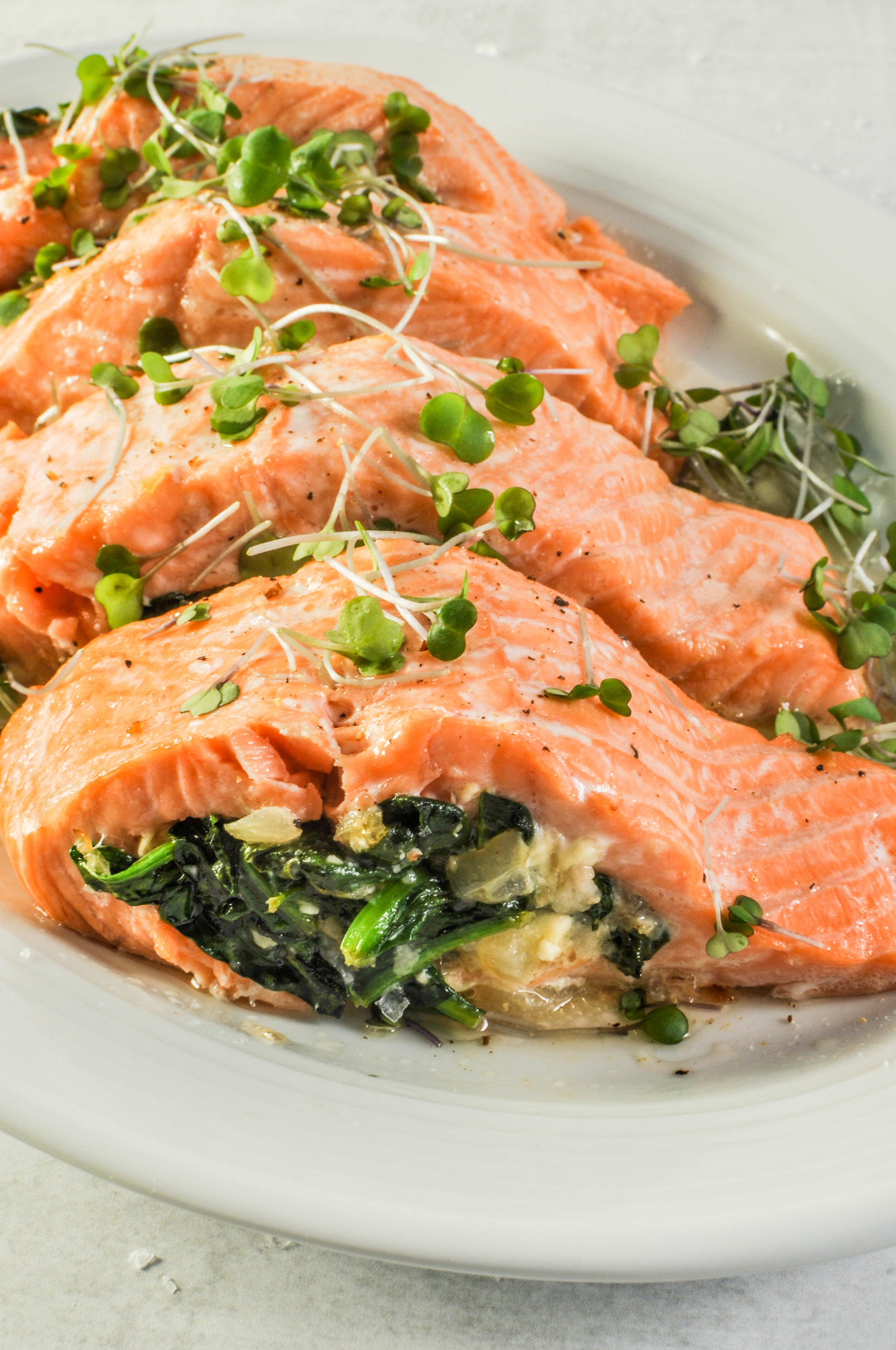 Spinach & Feta Stuffed Salmon | a delicious, weeknight meal that's ready in 20 minutes #salmon #recipe