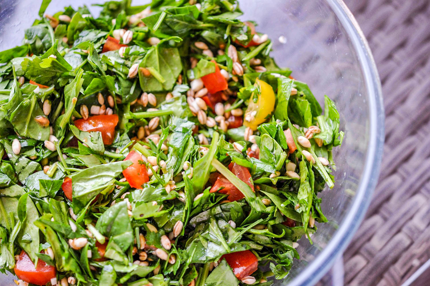 Bulgur Salad with Spinach, Parsley, and Tomatoes