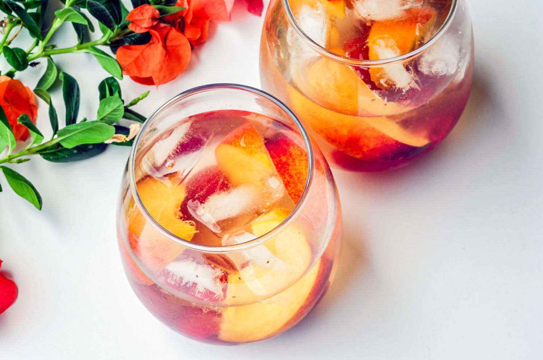 peach and raspberry sangria recipe (3 of 3).jpg