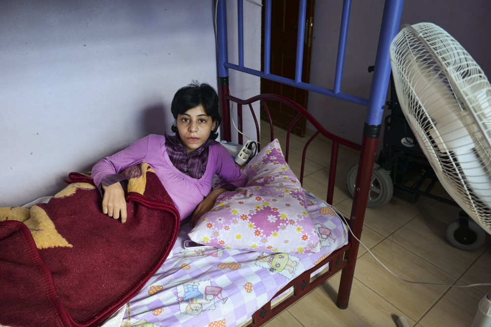 Meysa S. (13) was in school after class when the mortars started dropping. When she escaped the building unscathed, a snyper's bullet hit her spine, and now she is paralysed in both legs. Her dream was to become an English teacher