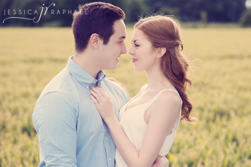 the-real-flower-petal-confetti-company-flower-fields-worcester-engagement-photography-jessica-raphael-photography
