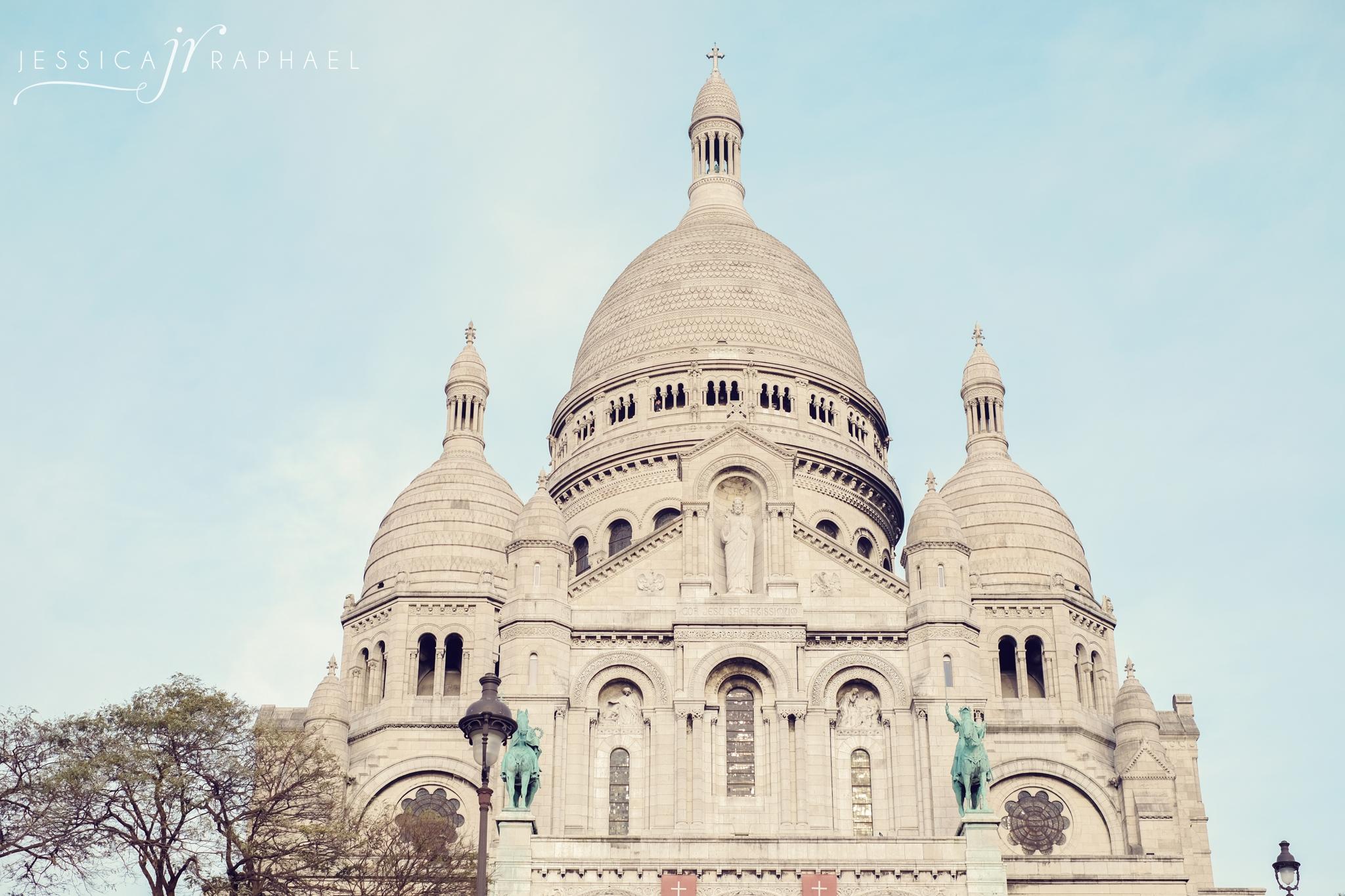 Gorgeous church at the highest point in Paris,Sacré Cœur.