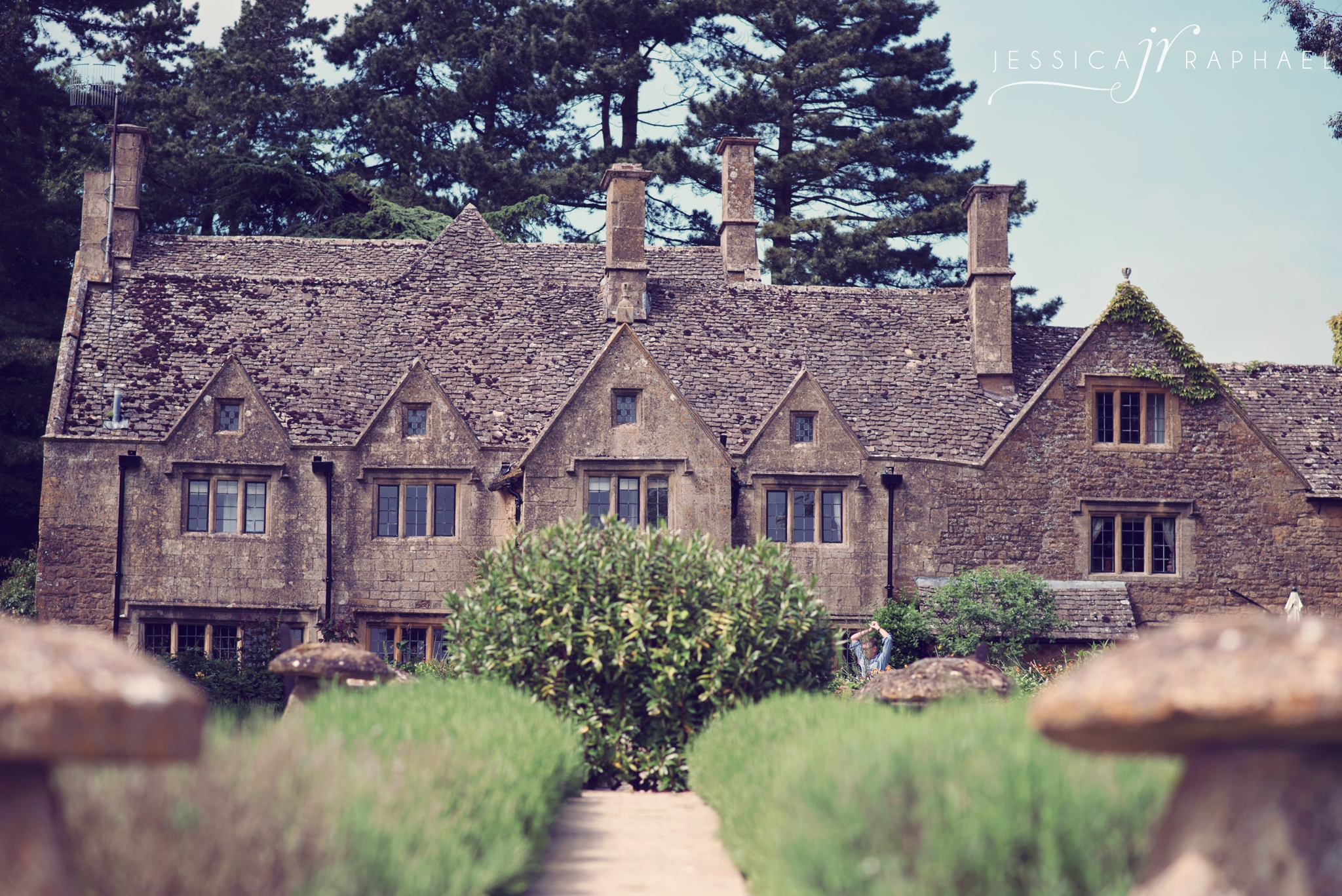 jessica-raphael-photography-chipping-campden-wedding-photographer
