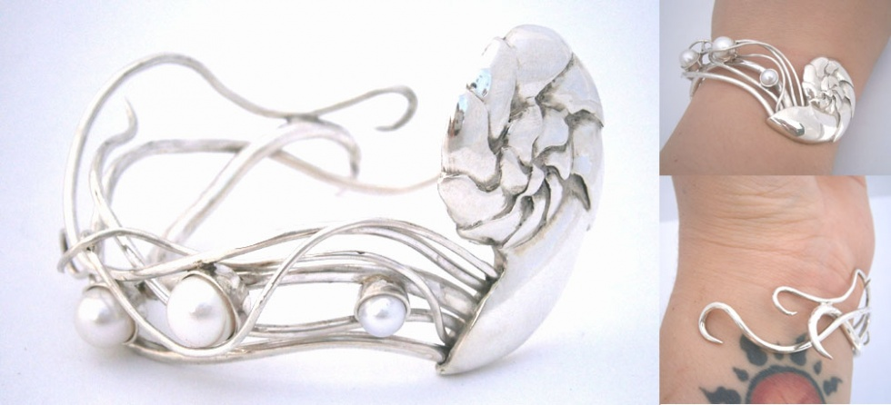Nautilus Bracelet with pearls