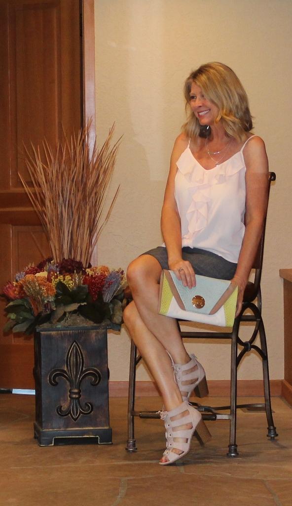 Straight Skirt Style  http://www.northwestmountainliving.com