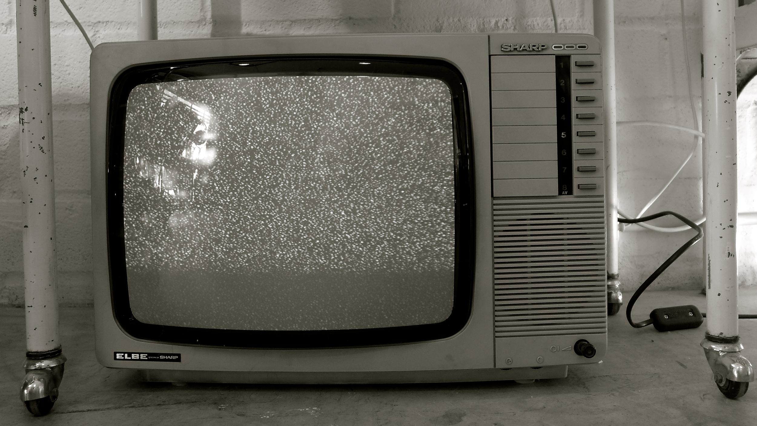 En blanco televisor
