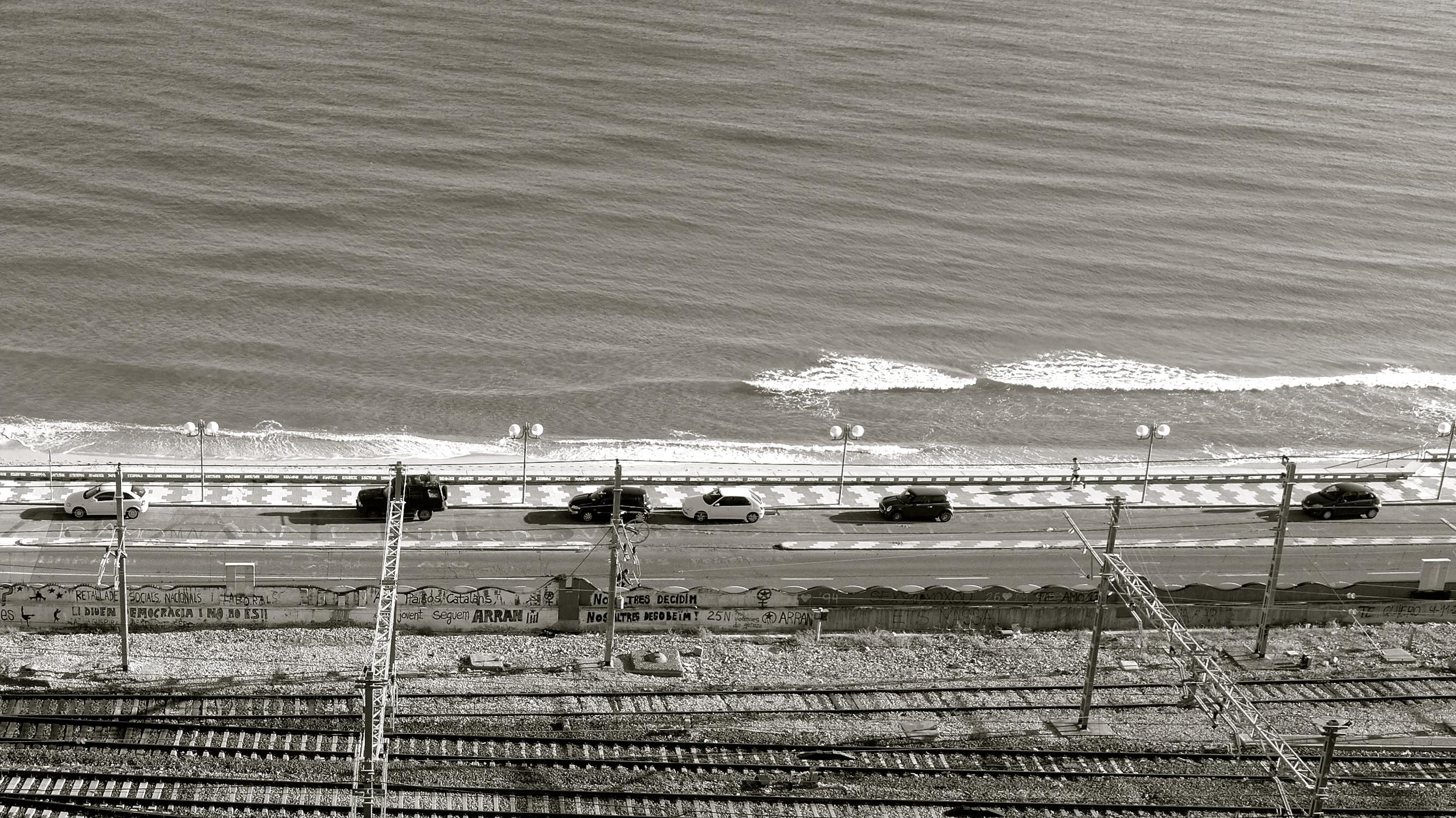 Vías tren playa Tarragona