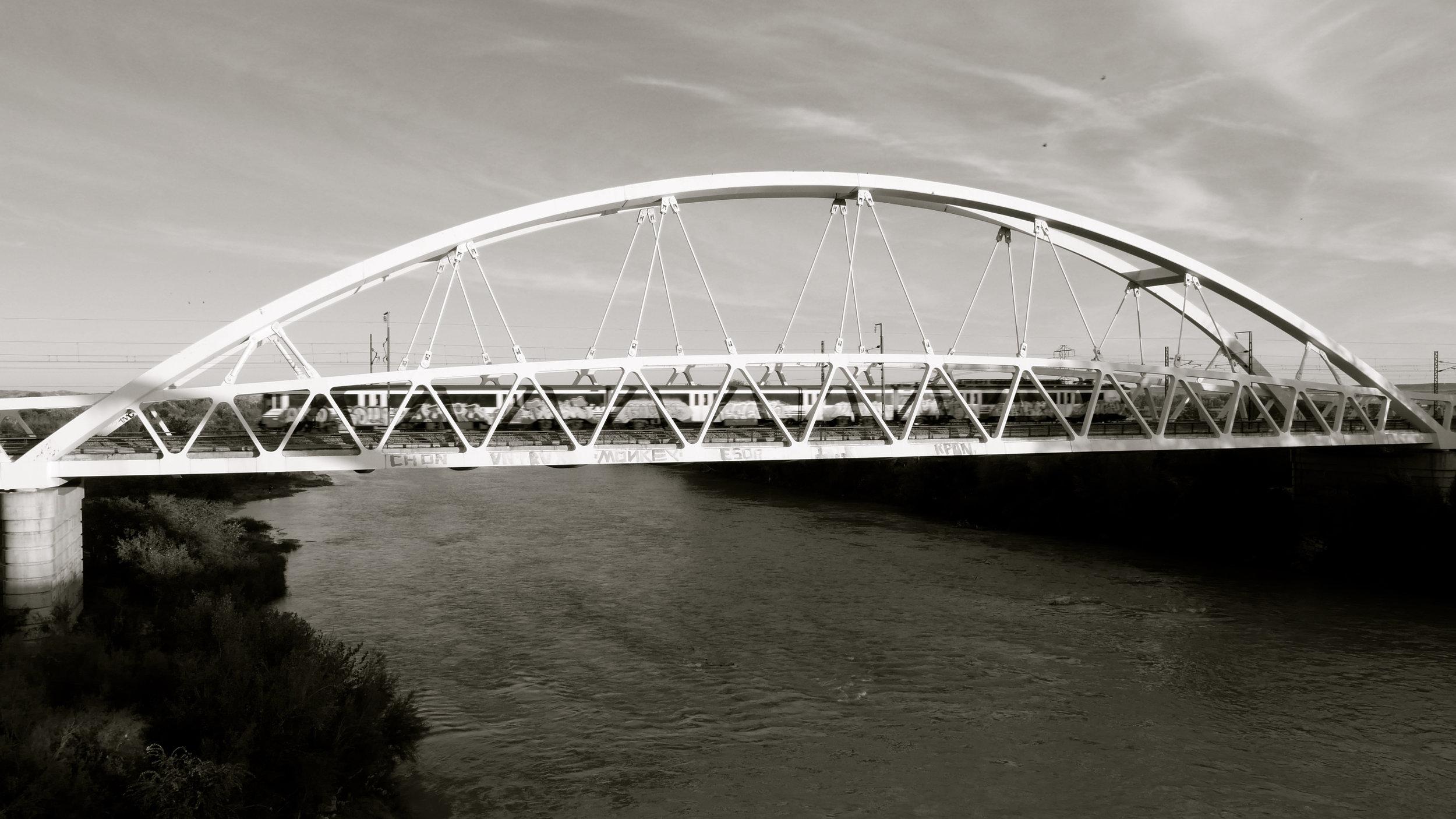 Puente del ferrocarril sobre el río Ebro. Zaragoza - 1
