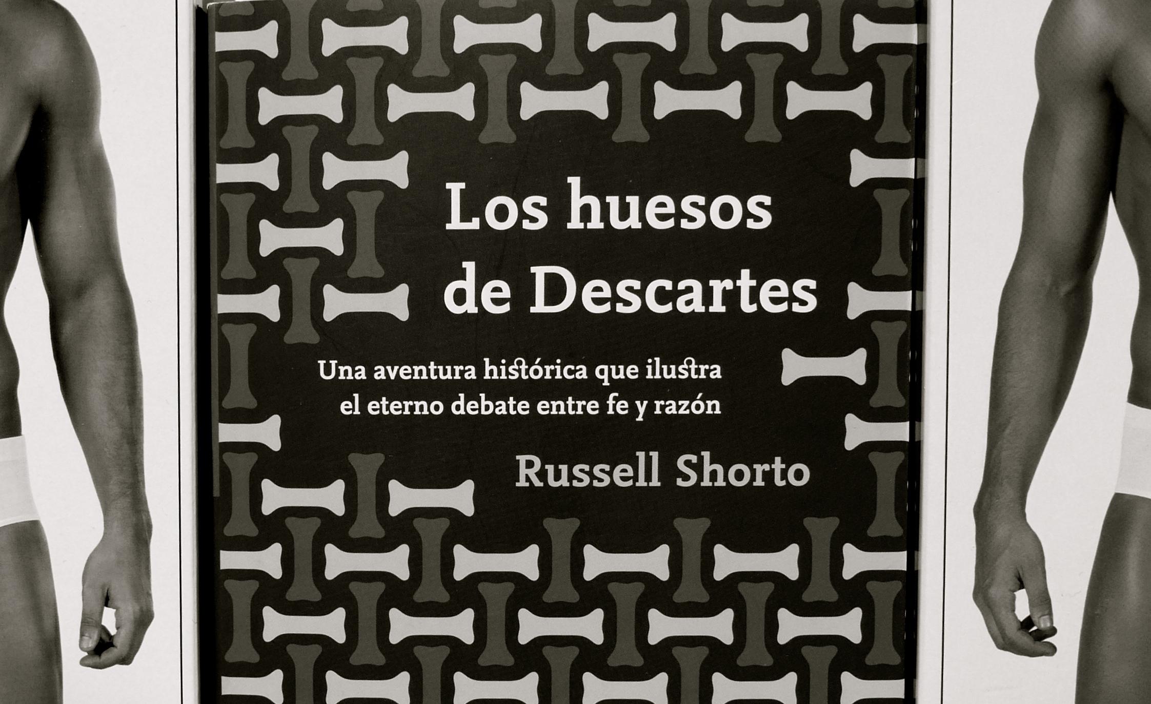 Los huesos de Descartes Rusell Shorto brazos